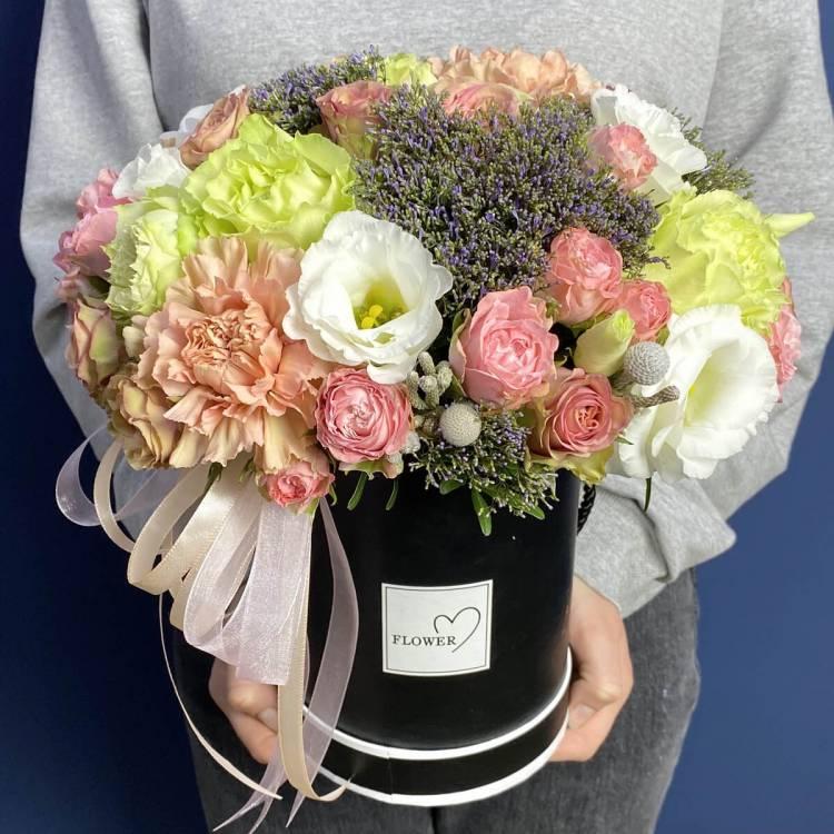 цветы в коробке r18