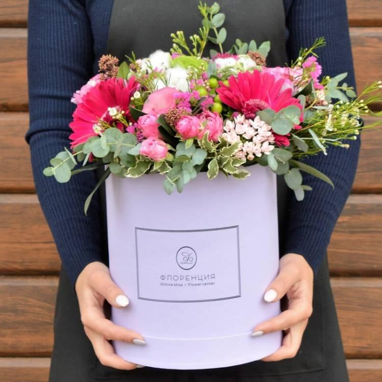 Цветы в коробке R12